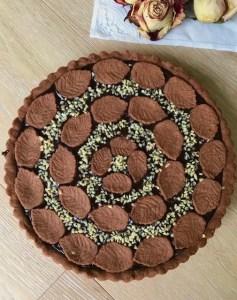 Crostata con frolla al cacao e crema al cioccolato