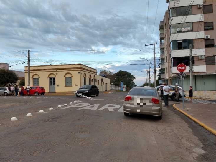 Acidente no cruzamento da Praça General Osório com Maurício Cardoso