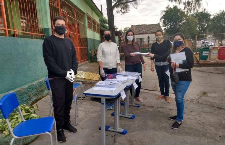 Educação entrega remessa de atividades impressas a alunos da Rede Municipal