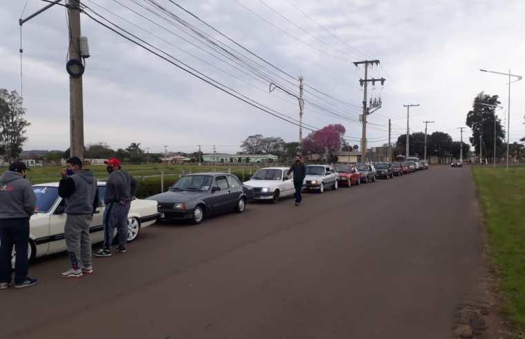 Alegrete: buzinaços e ronco dos motores marcam protesto contra proposta de cobrança de IPVA de carros antigos