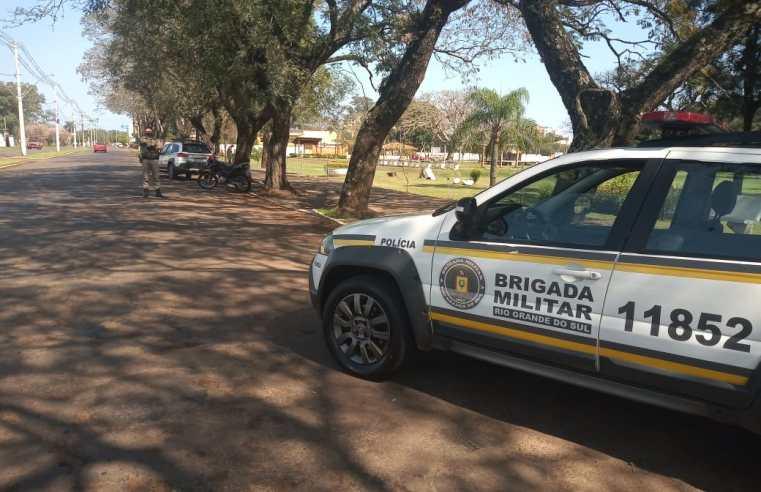 Blitz da BM fiscalizou carros e motos na manhã de quinta-feira