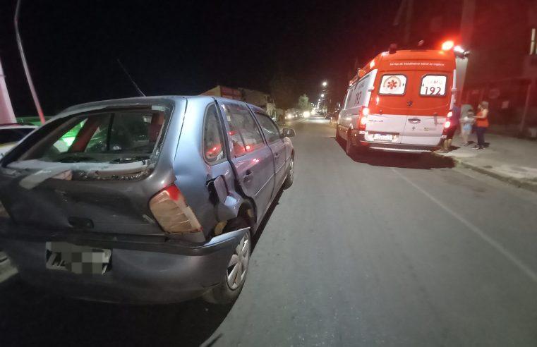 Colisão entre dois veículos, na Avenida Assis Brasil, deixa carona ferida