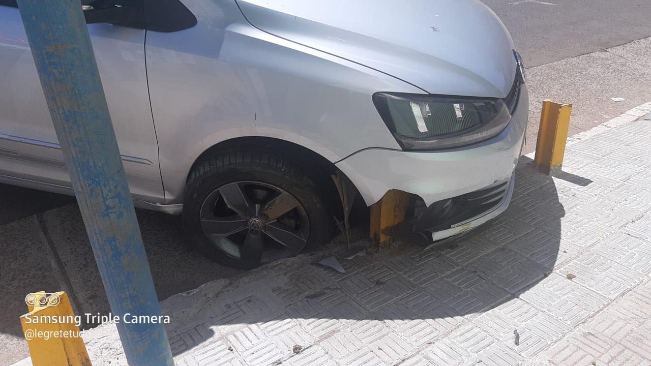 Motorista sofre acidente, na Praça, e recusa teste do etilômetro
