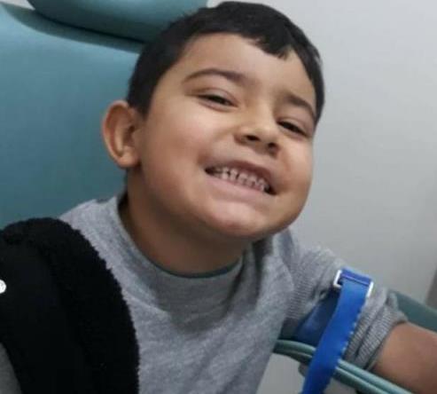 Família pede ajuda para o menino Léo que está na UTI em Santa Maria