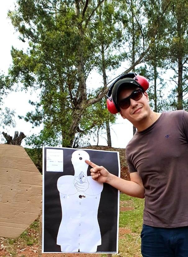 Competidor e instrutor alegretense é destaque no RS na modalidade de tiro prático