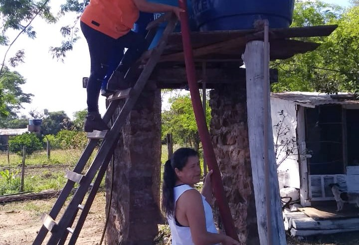Cadeado em caixa, dificulta distribuição de água no assentamento Novo Alegrete