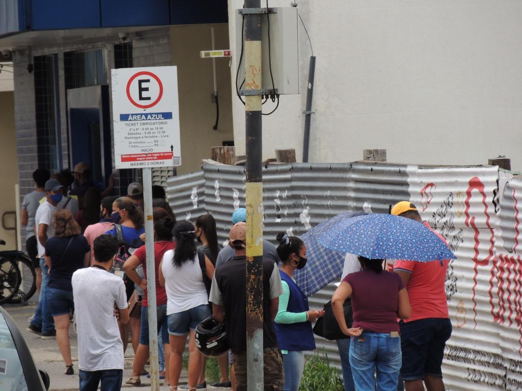 Semana de grandes filas na agência da Caixa em Alegrete