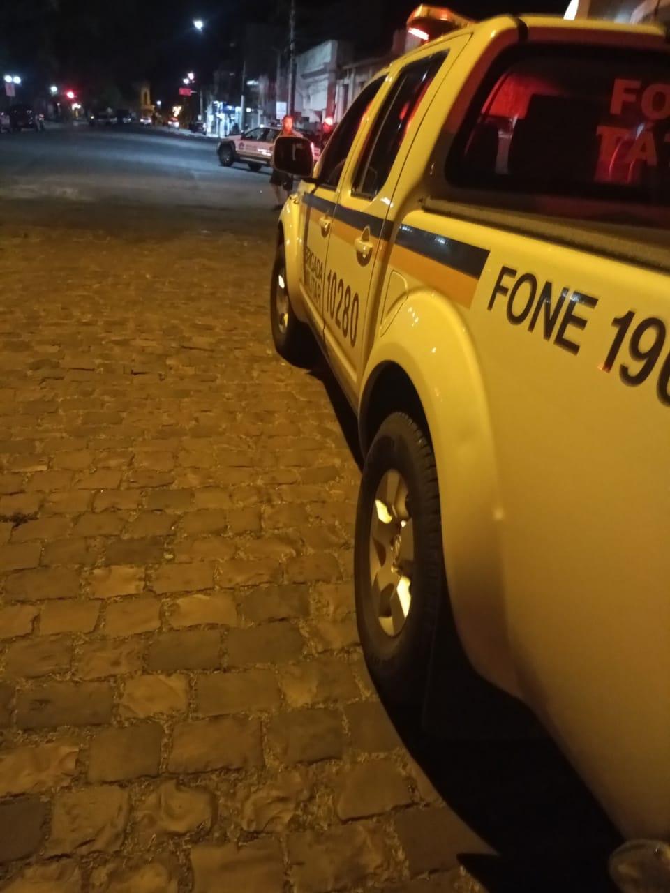 Brigada Militar dispersa aglomerações durante a madrugada em Alegrete