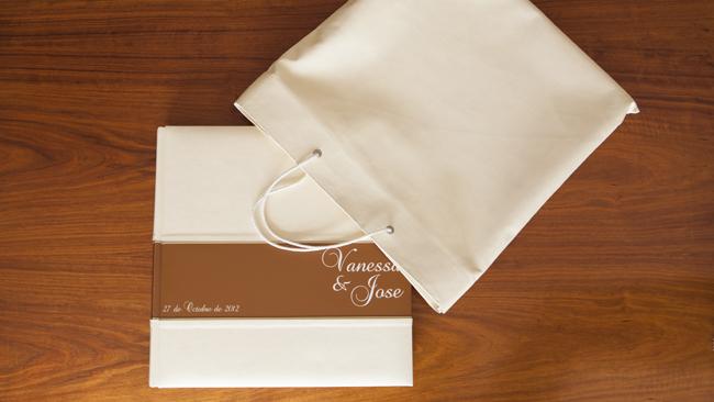 álbum de bodas presentado por Alejandro Gonzalo. Granada
