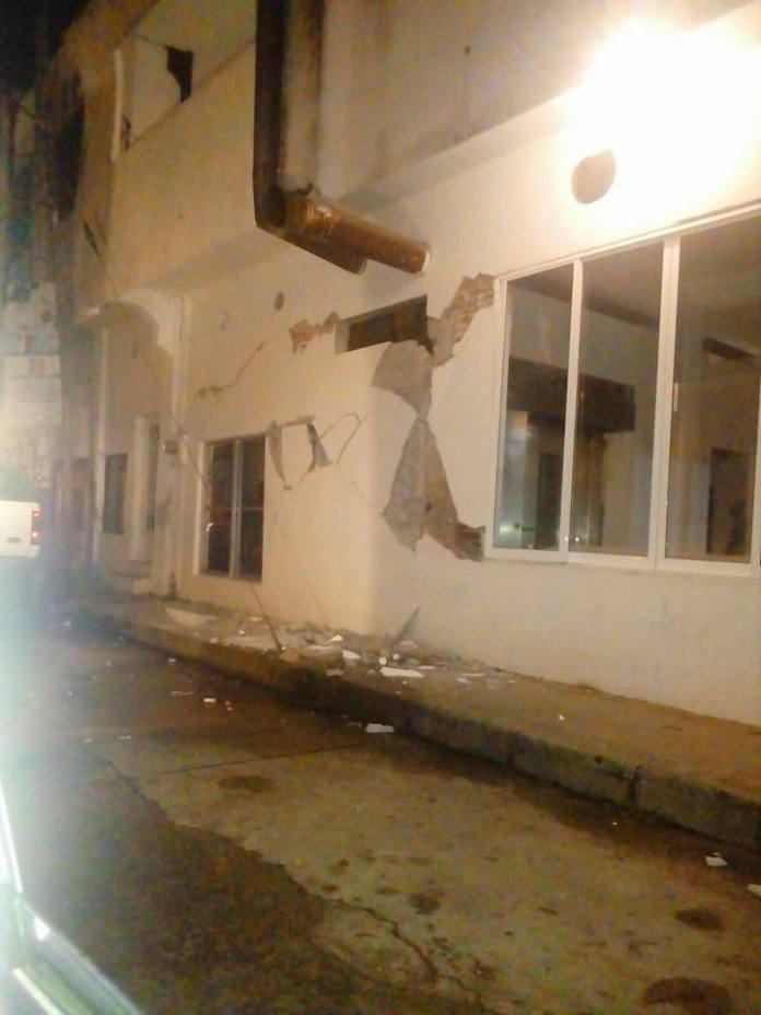 Daños preliminares del sismo de 7.0 (FOTOS) 19225693 1483867101677575 7170424308266059083 n