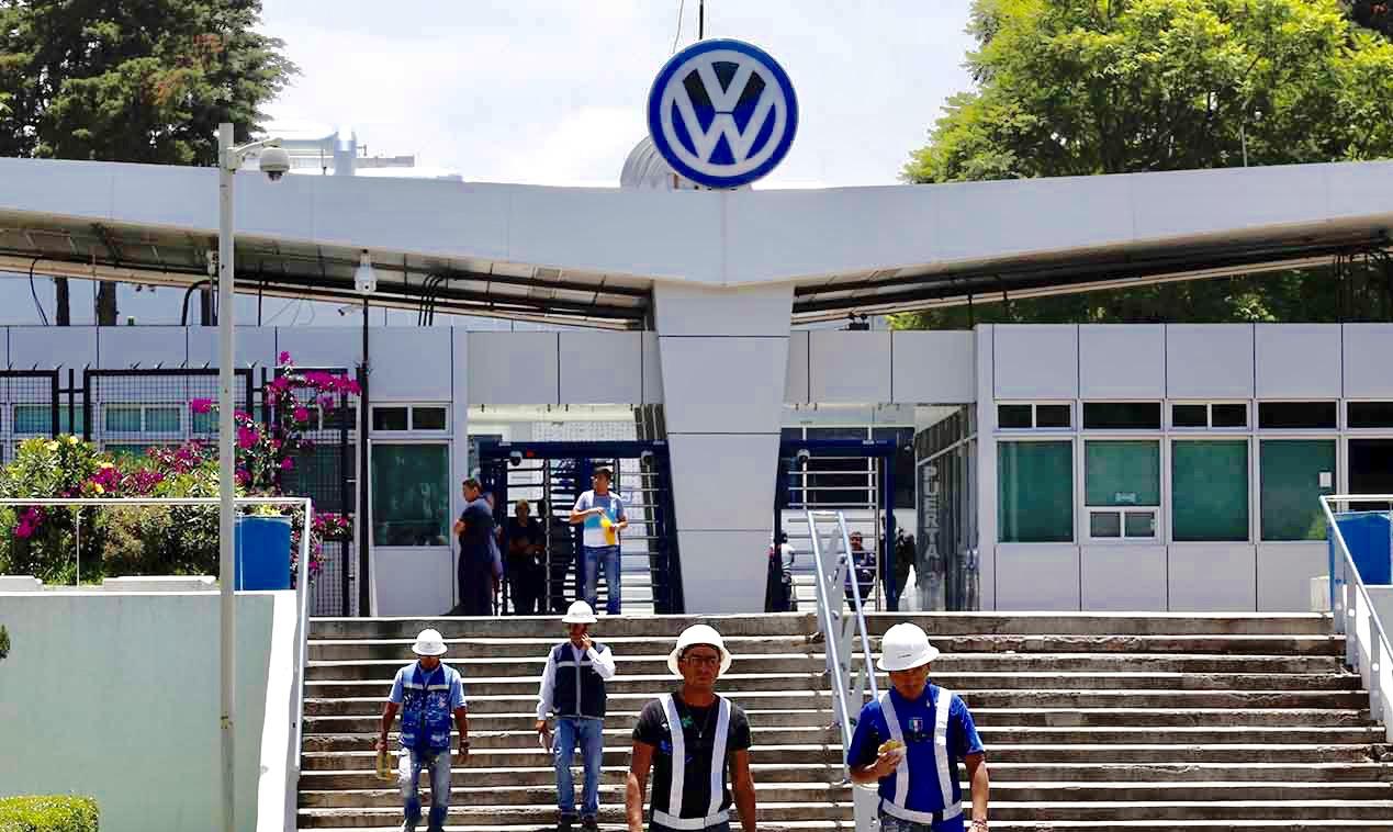 Matan a un obrero dentro de la planta Volkswagen en Puebla