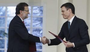 Mariano Rajoy y Pedro Sánchez, durante la firma de su primer pacto de Estado
