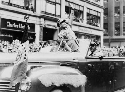 El presidente Dwight Eisenhower, durante un desfile.