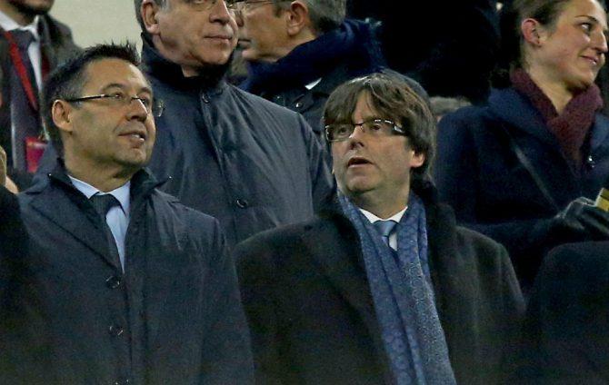 Bartomeu y Puigdemont, en el palco del Camp Nou.