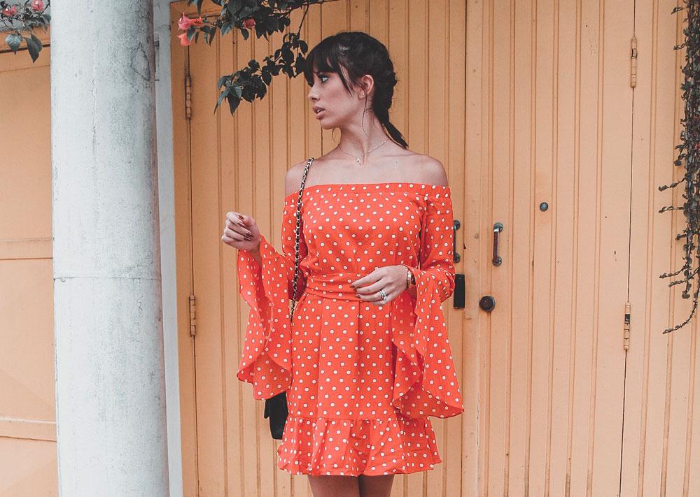 Look do Dia: Vestido Vermelho de Bolinha
