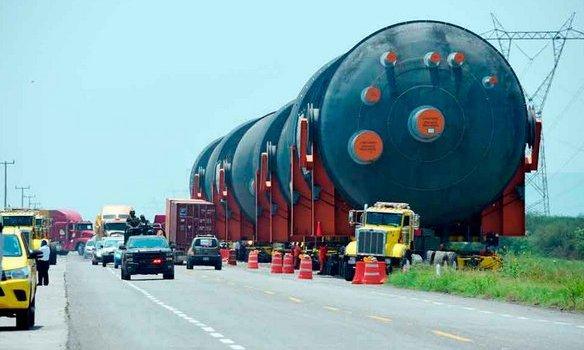 Precaución por tránsito de calderas gigantes
