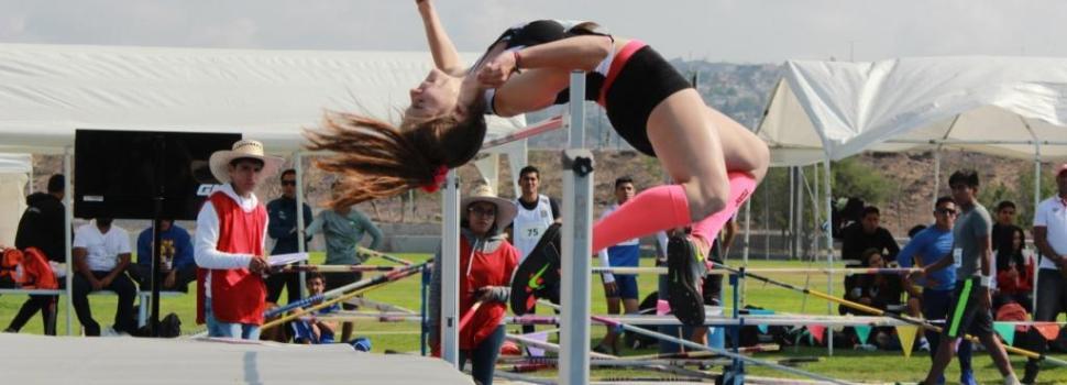 Más de 150 atletas participaron en Festival de saltos