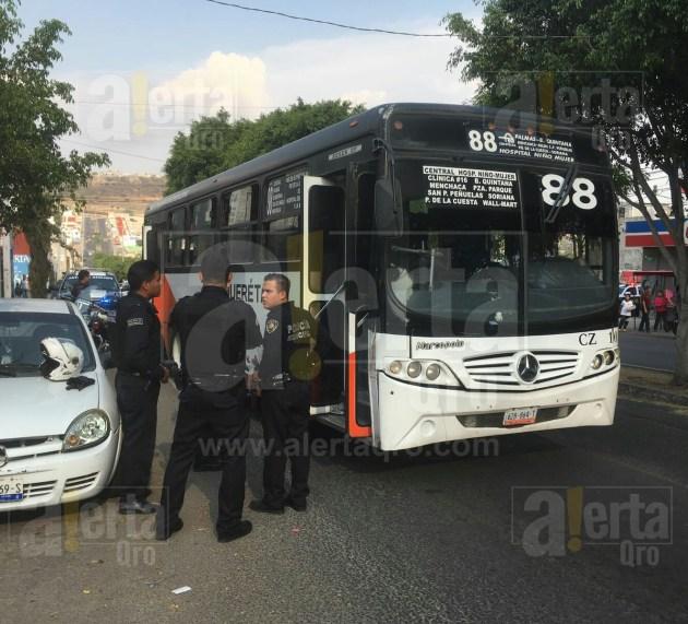 """""""Pican"""" a chofer en asalto a transporte público"""