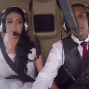 Llegar en helicóptero a su boda le costó la vida
