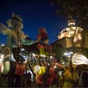 Marionetas gigantes recorrieron el Centro Histórico de Querétaro