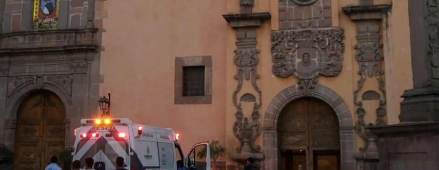Mujer abandona a bebé en iglesia del Centro