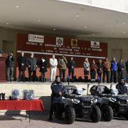 Entrega Mario Calzada equipamiento a seguridad pública y protección civil de El Marqués