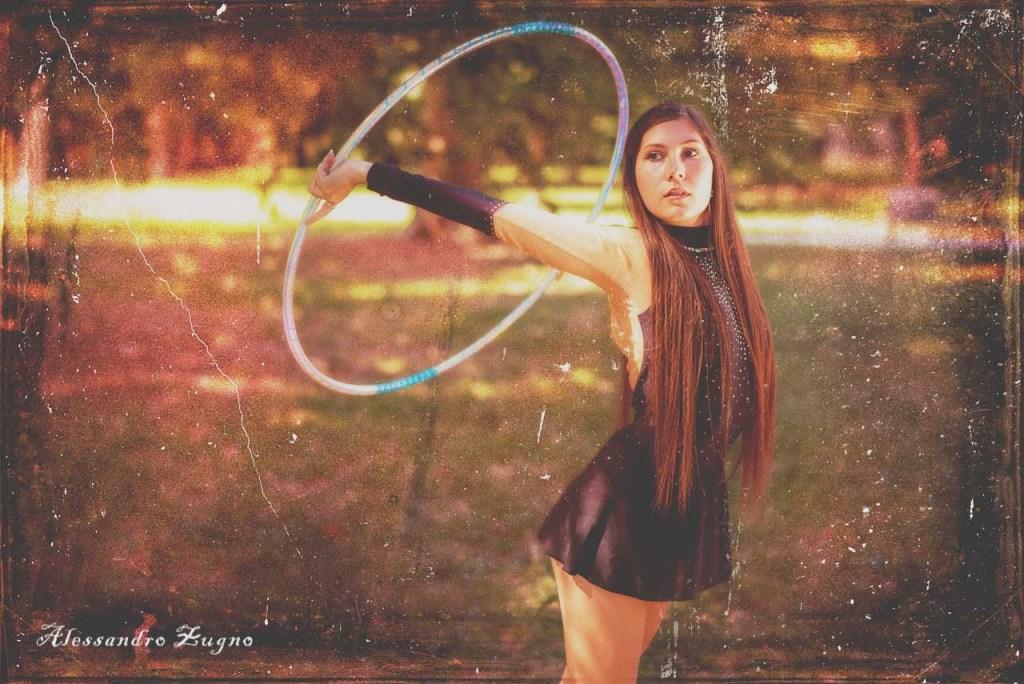 Foto con filtro Vintage di ragazza che pratica Ginnastica ritmica