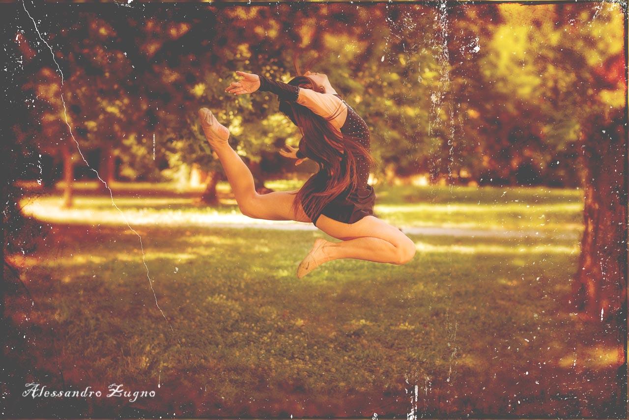 foto vintage di ginnastica ritmica al parco