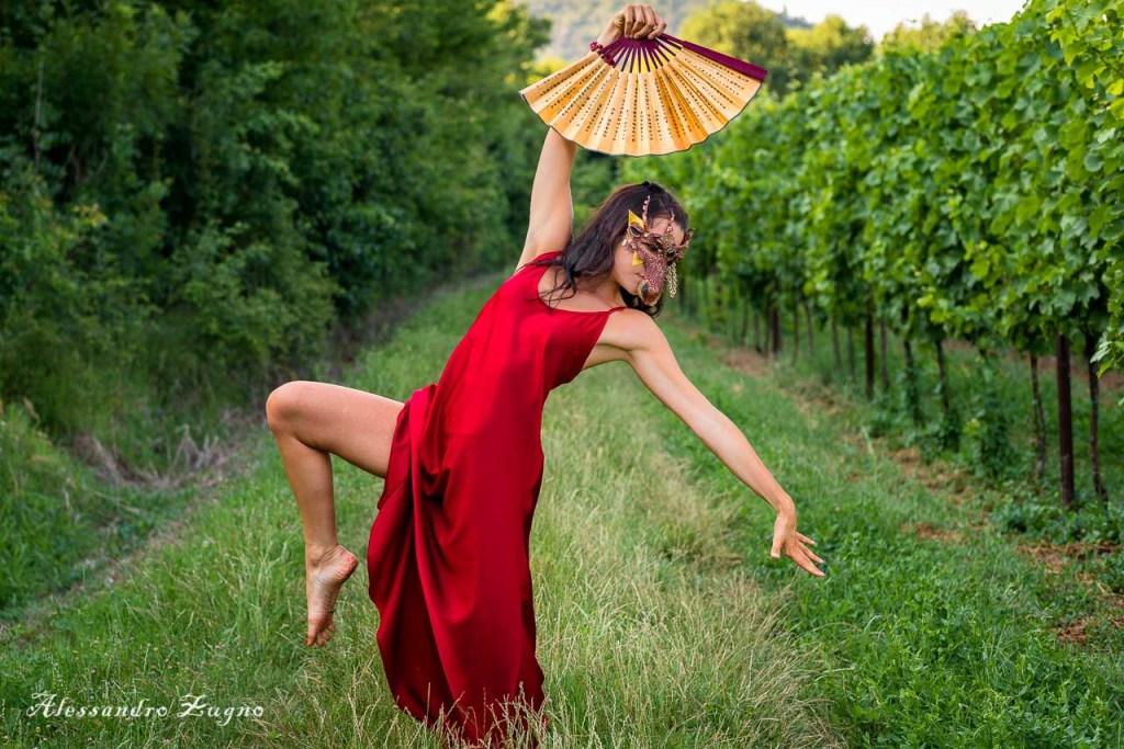Foto di danza nella natura all'interno dei Colli Euganei di Padova