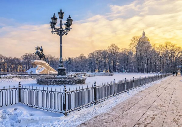 Silvester in St. Petersburg: Eherner Reiter
