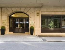 Eingang vom Hotel Starhotels Metropole