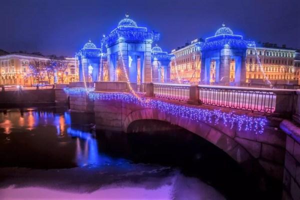 Brücke, Schnee, Silvester-Erlebnis in St. Petersburg