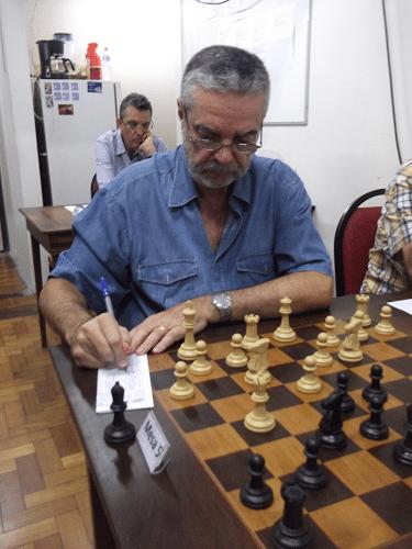 """Luiz Sérgio Tiomno, federado pela AABB, está classe """"B"""" com rating 1611"""