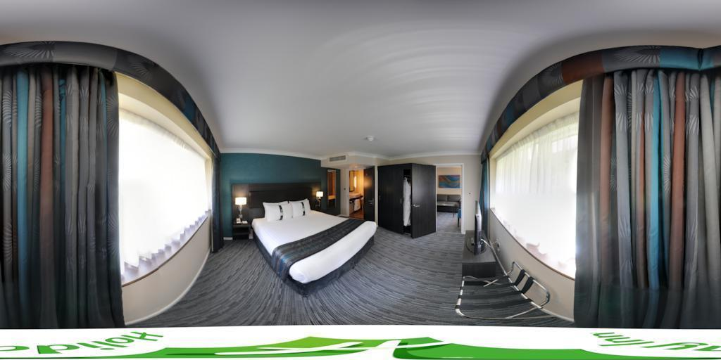 Commercial photography for Holiday Inn