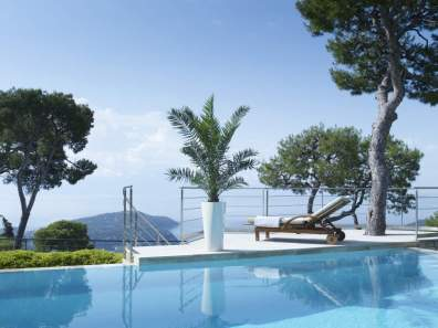 Contemporary elegant furniture in Villefranche sur Mer