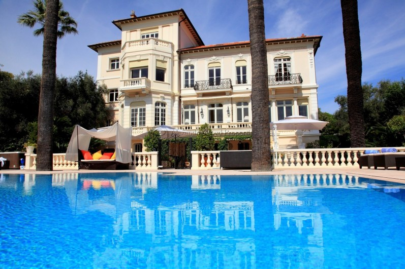 Breathtaking Villa for rent in Cannes