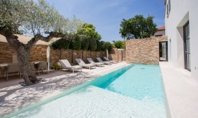 Heated swimming pool Residence des Carles