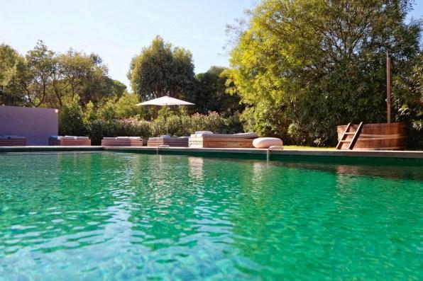 Tahiti swimming pool