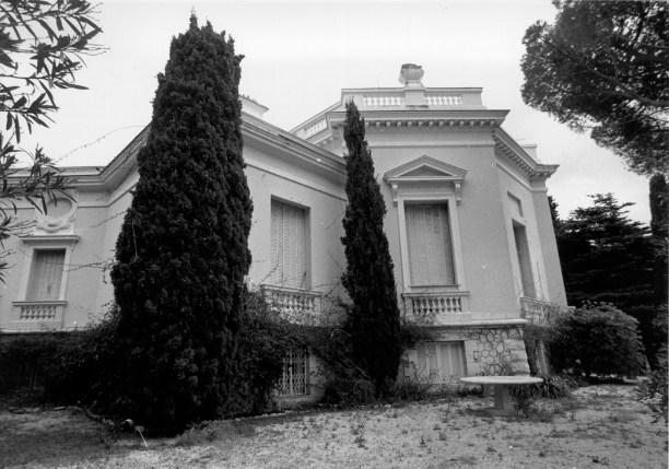 The facade of La Radina