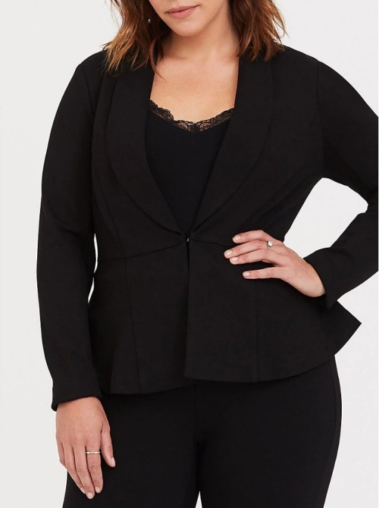 Plus Size Blazers for Apple Shapes - Styling Plus Size Apple Shapes - Plus Size Fashion for Women - alexawebb.com