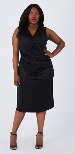 Plus Size LBD - Plus Size Little Black Dress - Plus Size Holiday Dress #plussize #alexawebb #dress #holiday