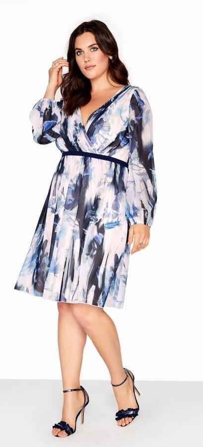 40 Plus Size Spring Wedding Guest Dresses {with Sleeves} - Plus Size Dresses - Plus Size Fashion for Women - alexawebb.com #alexawebb