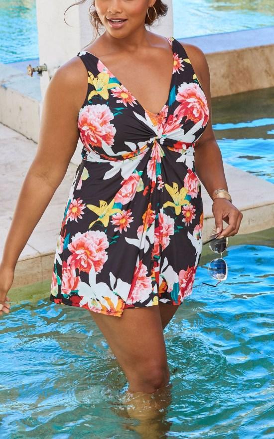 24 Plus Size Swimdresses - Plus Size Swimwear Swimsuits - Alexa Webb - alexawebb.com #plussize #alexawebb #plussizeswim