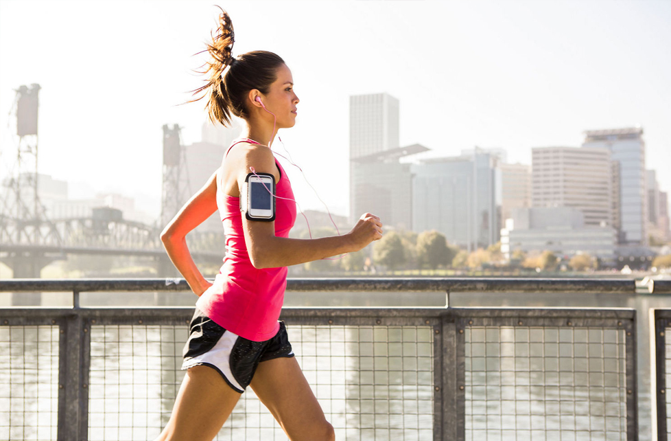 woman running iphone arm band