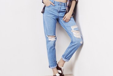 womens boyfriend jeans distressed denim blue style