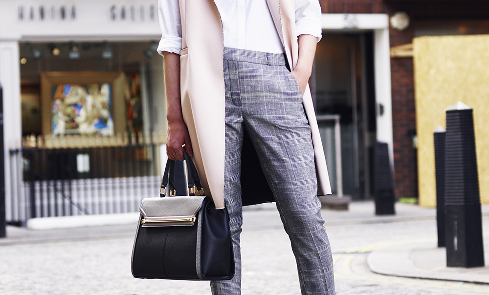 how-to-dress-at-30-womens-fashion-thirty-bags-trousers