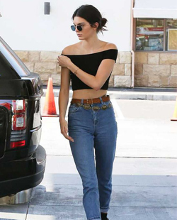 Kendall Jenner in mom jeans