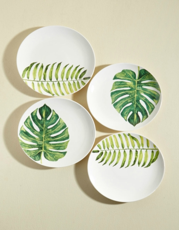 Set of four plates with green leaf design