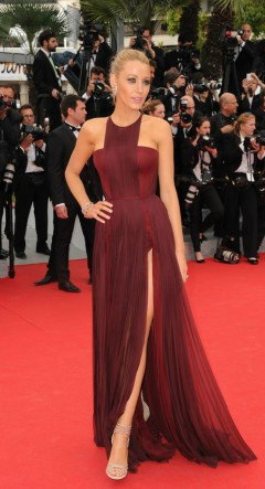 Blake Lively in burgundy dress on the red carpet - what shoes to wear with a long dress