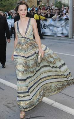 Rachel Mcadams blue maxi dress street style